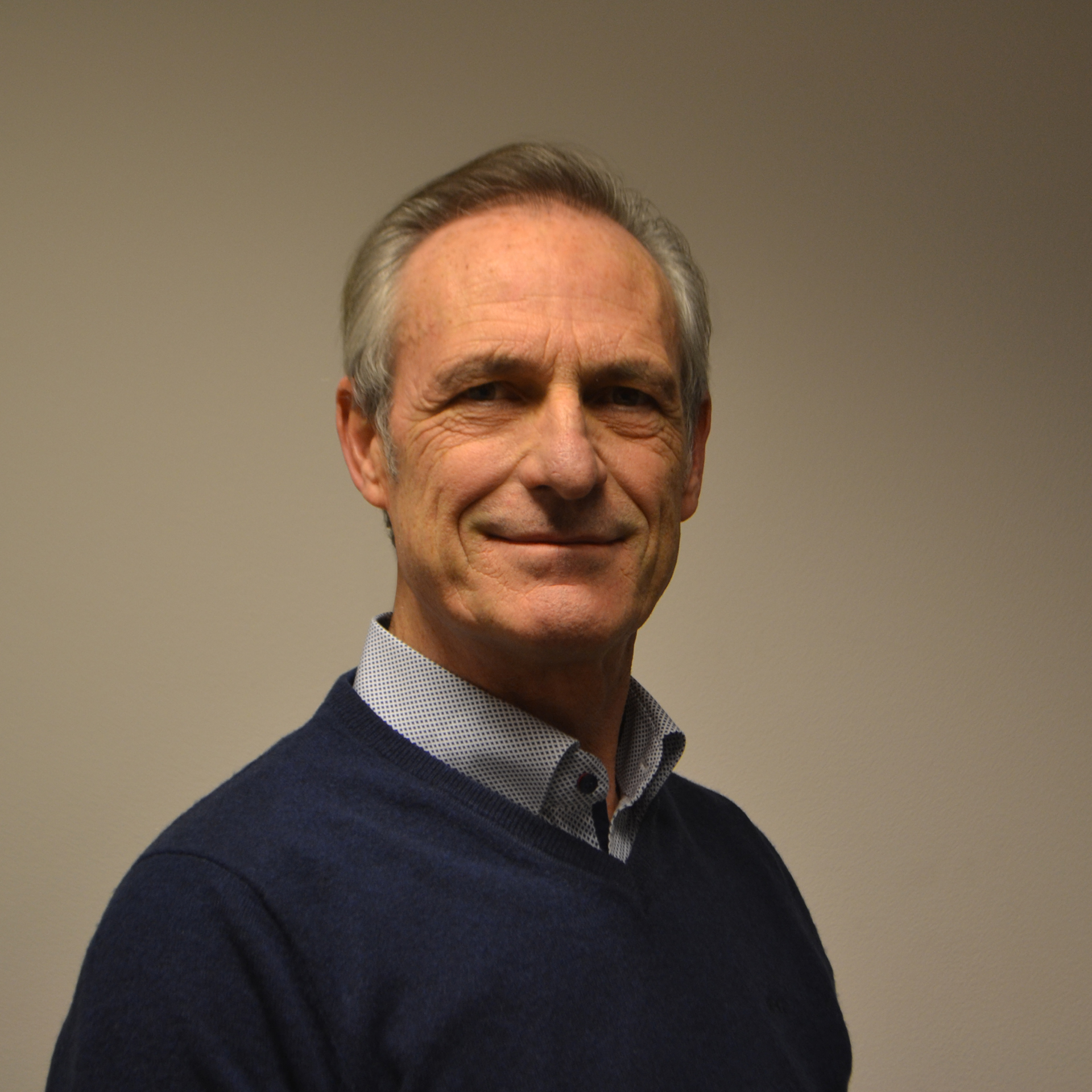 Dr. Roger Renders